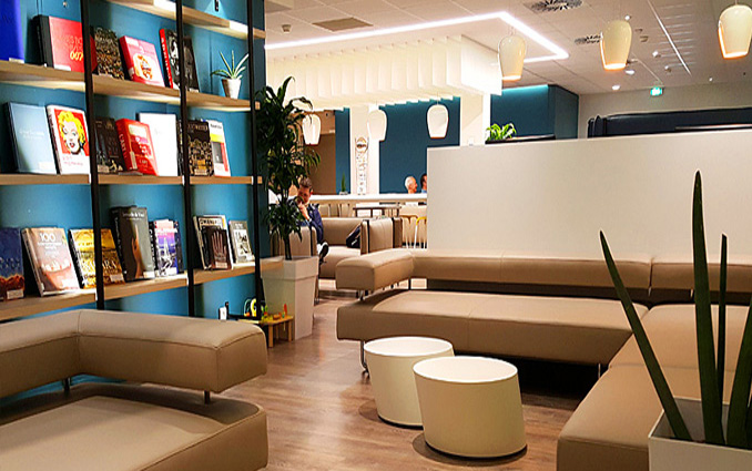 salonVIP_ Vip lounge library at terminal 1 Nice aeroport